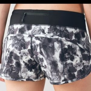 "Speed Up Short 2.5"" Lululemon Athlectica"
